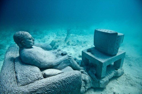 Visit to this underwater museum in Cancun. Enjoy this amazing diving experience & the sculptures in it. #cancuntravel #visitmexico