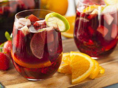 Clericot Refrescante | El clericot es una refrescante bebida con Vino Tinto y frutas ideal para acompañar un corte de carne.