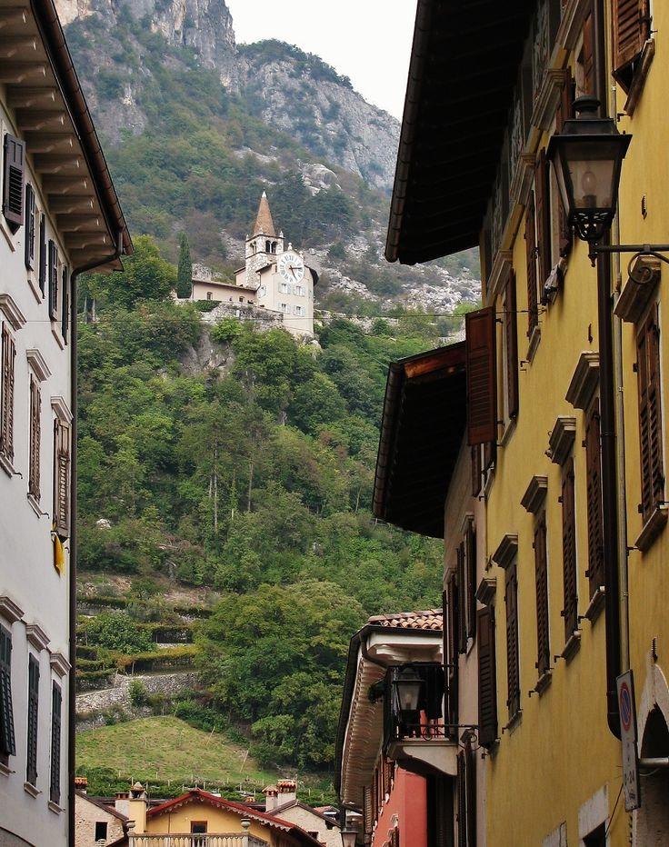 Mori (Trento) - Sorgente: Panoramio - Autore: = Cinzia Anzalone = - Copyright: All rights reserved.