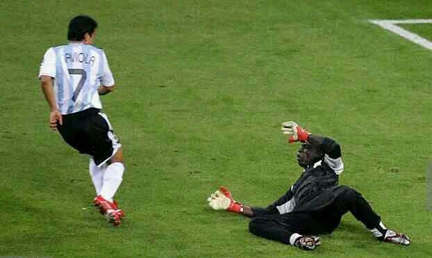 Argentina 2 Ivory Coast 1 in 2006 in Hamburg. Argentina lead 2-0 after Javier Saviola scores on 38 minutes in Group C #WorldCupFinals