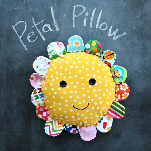 Petal pillow - Mom (Marcia Wilzbacher), you need to start making these!