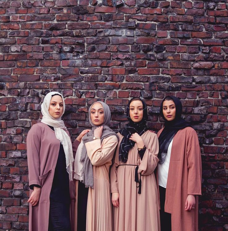 """244 Likes, 27 Comments - Isra عايش (@turistaa) on Instagram: """"gang + @austereattire hijabs = collective slay"""""""