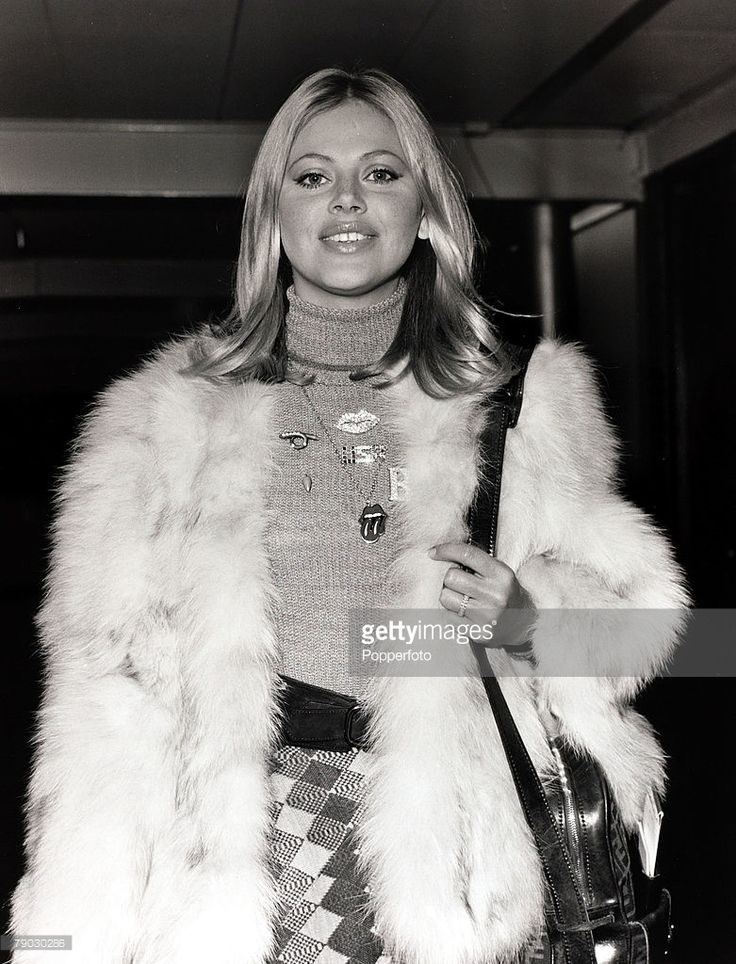 Entertainment/Cinema, London, England, 2nd December 1971, Swedish actress Britt Ekland pictured at Heathrow Airport