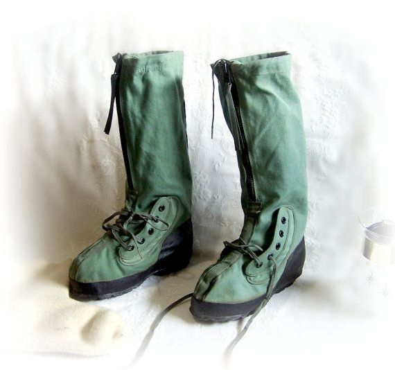 1989 Army Boots Extreme Cold Weather Military by TheWhitePelican, $39.00