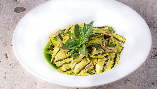 Aberto em 2010, o Anna é um restaurante de culinária italiana artesanal localizado no melhor ponto de Ipanema.