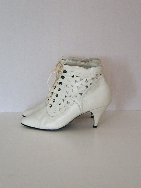 Vintage 80s Winter White Cutout Ankle Boots