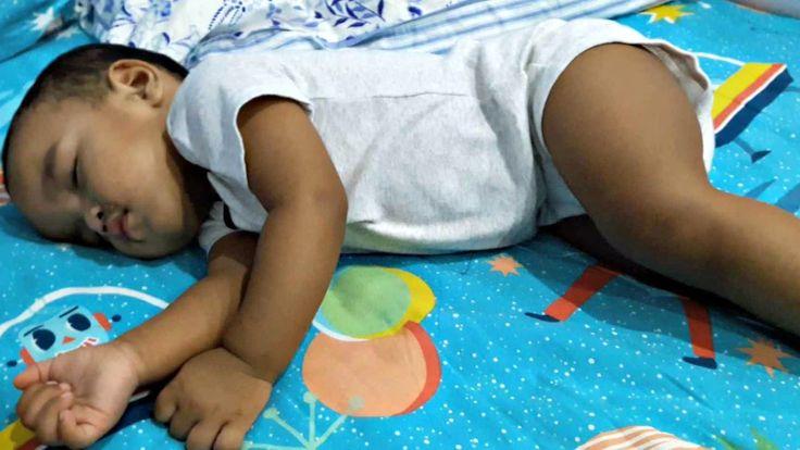 Ketika Bapak berusaha membangunkan Anaknya yang Tidur nyenyak