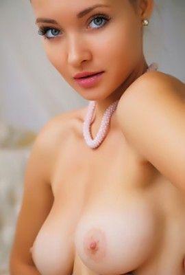 kim kardashian proudly display her curvy sexy body   free playboy plus