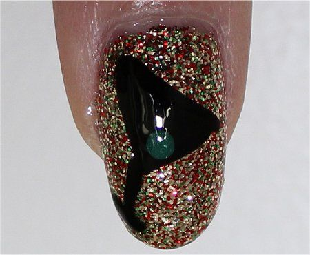 Google Image Result for http://www.swatchandlearn.com/wp-content/uploads/2011/12/Flash-New-Years-Nails-Tutorial.jpg