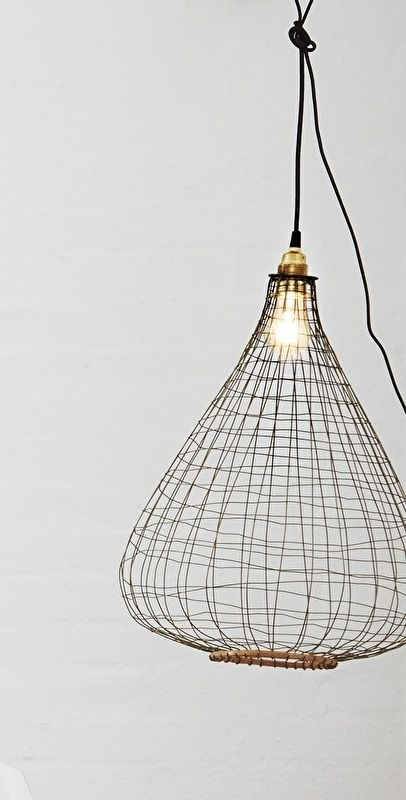Lampenkap van draad (antiekkoper) met bamboo.  * Source : athomeliving.nl