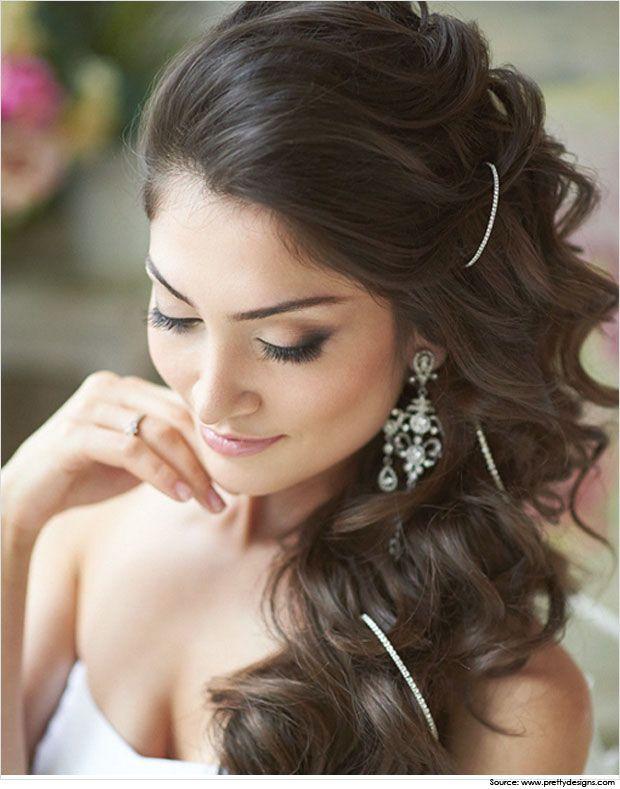 Wunderschone Lange Frisuren Fur Indische Frauen Um Ihren Glamourosen Look Zu Verstarken Lidschatten Frauenclub Frisur Hochzeit Hochzeitsfrisuren Frisuren Hochzeit