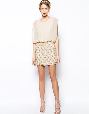 Tenue n°2 - Robe à corsage blousant et jupe ornementée