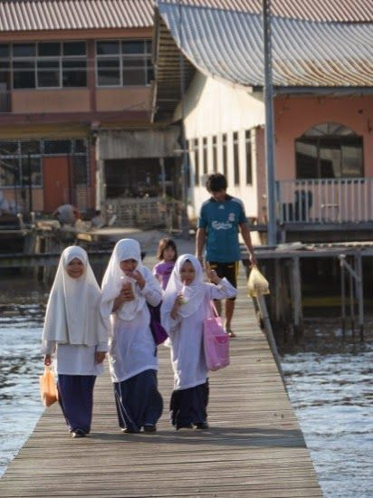 Children coming home from school - 'Venice of the East' - Bandar Seri Begawan, Brun