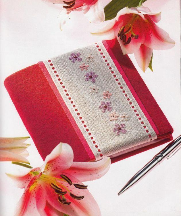 Coperta de carte cu modele florale