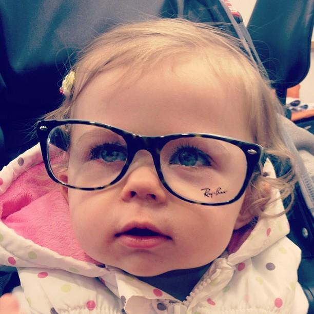 Baby glitter is so adorable! @Louise Cote SprinkleofGlitter is so lucky to have her as a baby girl and darcy is so lucky to have louise as a mummy. Love this pic too!