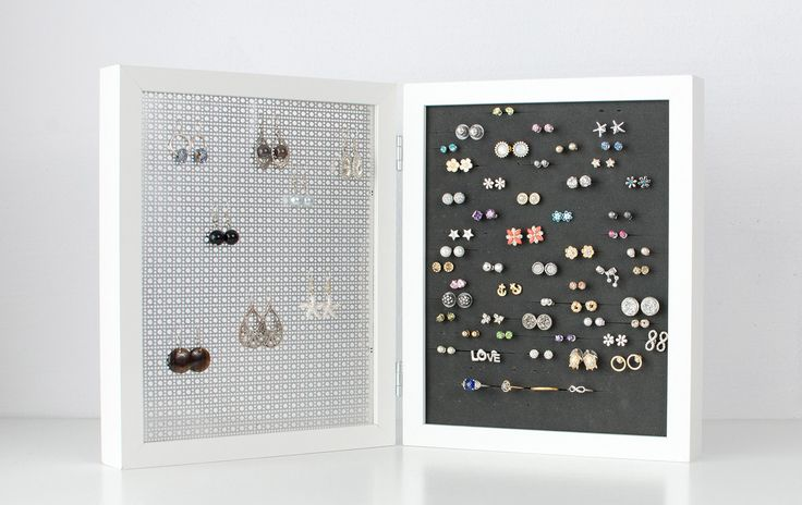 When it comes to store and display your HOOK and STUD earrings, this Double…
