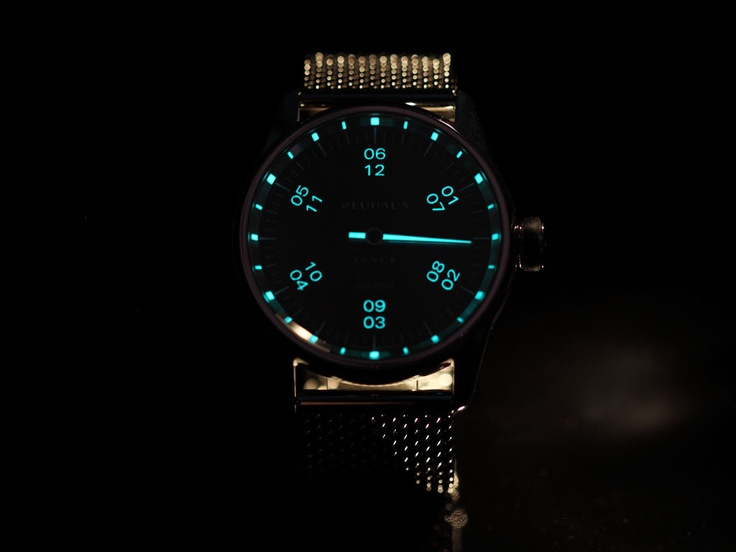 JANUS DoubleSpeed by NEUHAUS Timepieces. More? www.neuhaus.com THE NIGHT VISION FEATURE
