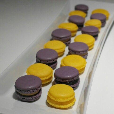 Macarons with lemoncurd and vanilla fudge