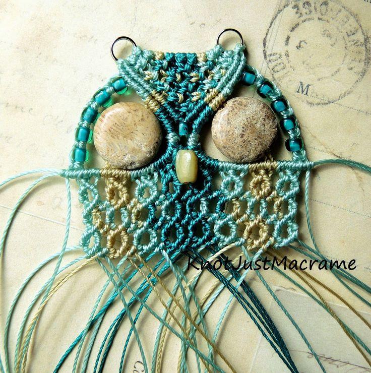 Micro macrame owl knotting in progress