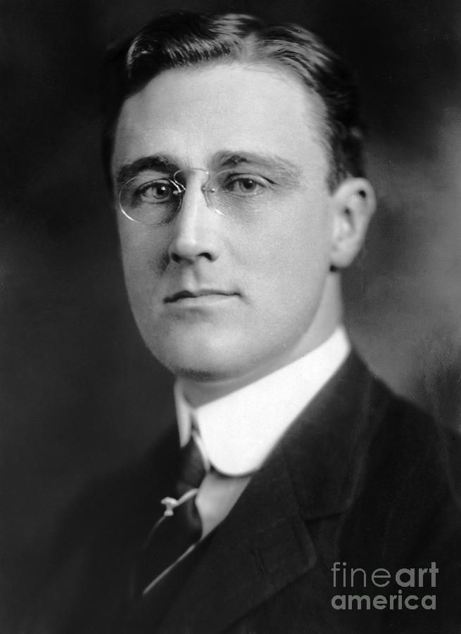 an evaluation of the first 100 days of president franklin delano roosevelts tenure President franklin d roosevelt tips his hat and activism since franklin d roosevelt pioneered the 100-day concept consider roosevelt's first 100 days.