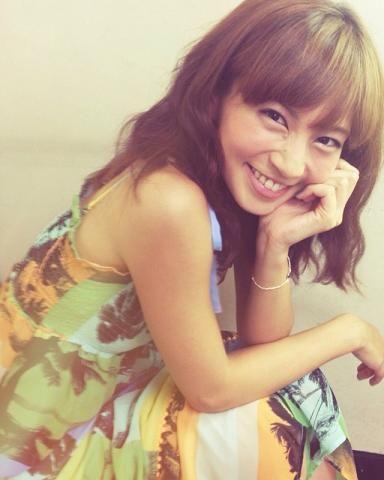 ロングのウェービーがガーリーでかわいい♡安田美沙子さんの髪型一覧です♡