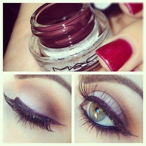 Plum eye make up . Great for green eye