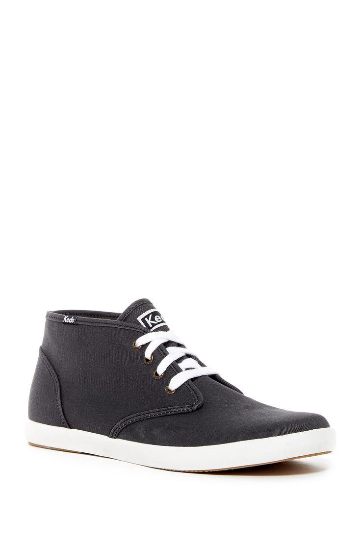 Low Chukka Sneaker