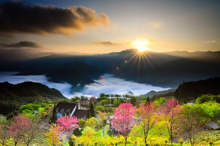 OUTDOOR SCENES - Rising Sun Dongsheng - The mountain the night before it began to rain. I thought the next morning the sun does not appear, did not think it was almost dawn, the sun emerged from the clouds. But the dark clouds will soon cover up the sun, will... Taiwan. (Hsiao Chen-Hsuan/National Geographic Traveler Photo Contest)#