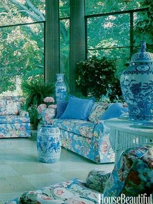 Interior design trends in the 1980s. Featured in our October 1981 issue, a sitting area in Old Westbury Gardens in Long Island, New York, the Baker sofas are covered in Brunschwig & Fils's Westbury Bouquet glaze chintz.