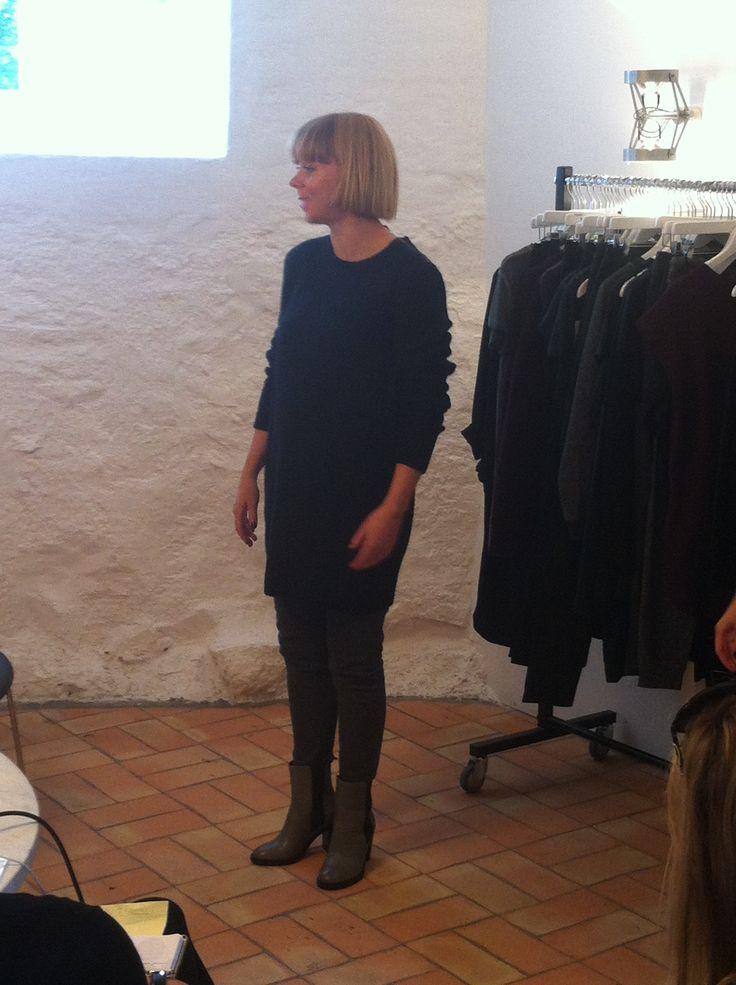 Janne i vores nye lækre varme Cisse strik kjole :-)