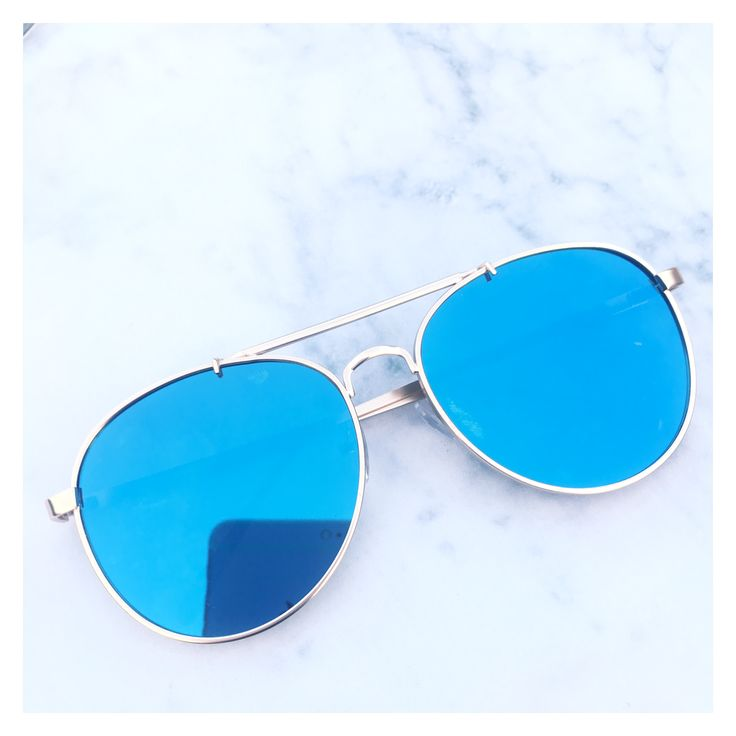 Blue Mirrored Aviator Sunglasses