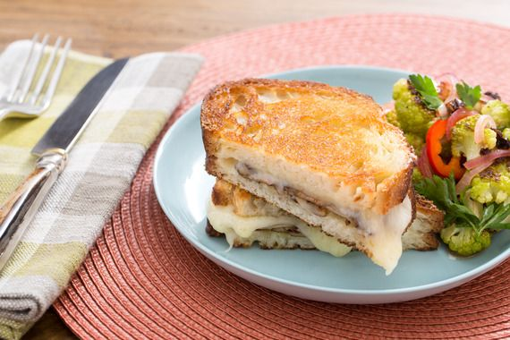 Mushroom & Fontina Grilled Cheese Sandwiches | Sandwiches | Pinterest ...
