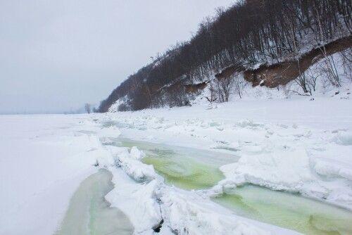 Волга. Тольятти. Жигулевские горы.