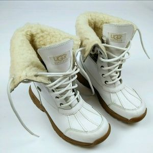 I just added this to my closet on Poshmark: HP UGG Adirondack II White Leather Snow BOOT 3. Price: $65 Size: 3G