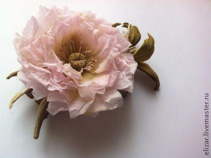 """Брошь """"Поцелуй"""" - бледно-розовый,цветы из шелка,брошь цветок,брошь из ткани"""