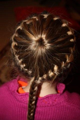 Flower round braid: Flower Round, Head Bands, Round Braid, Kid Fun, Photo