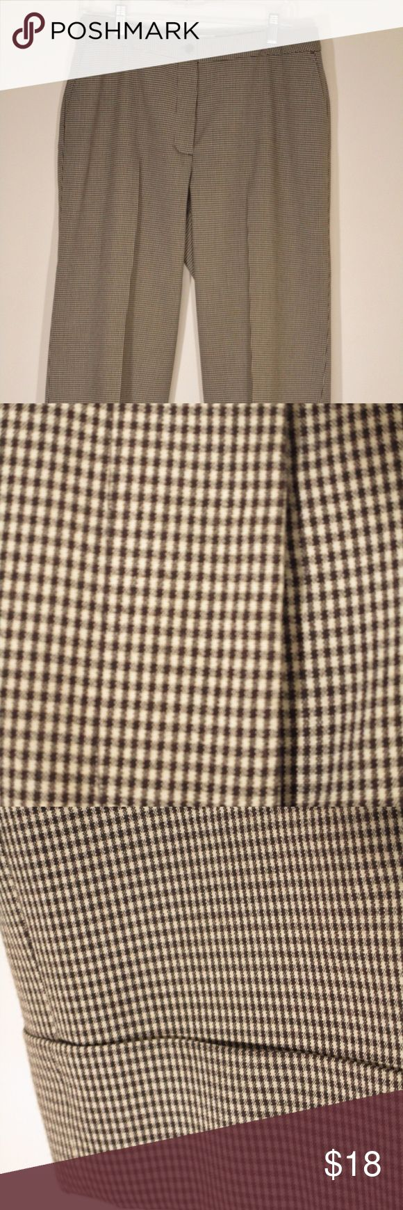 NWOT Chicos Size 2 Capri Pants Brown Gingham NWOT Chicos Size 2 M-L Womens Capri Pants Career City Shorts Brown Gingham Check - Never Worn - EUC Chico's Pants Ankle & Cropped