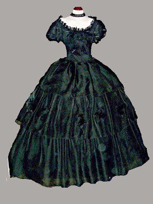 Trajes de epoca vestido negro de gasa con tres volantes y - Trajes de carnaval de epoca ...
