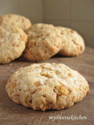 Corn Flake Cookies ... eggless recipe. Decent! But I find eggless is never the greatest.