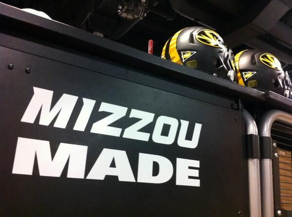Go Tigers! [photo credit Mizzou Athletics] RollTideWarEagle.com sports stories that inform and entertain, plus #collegefootball rules tutorial. Check out our blog and let us know what you think. #Mizzou