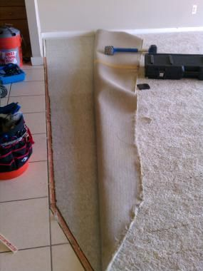 How to Patch Carpet with Pictures - wikiHow