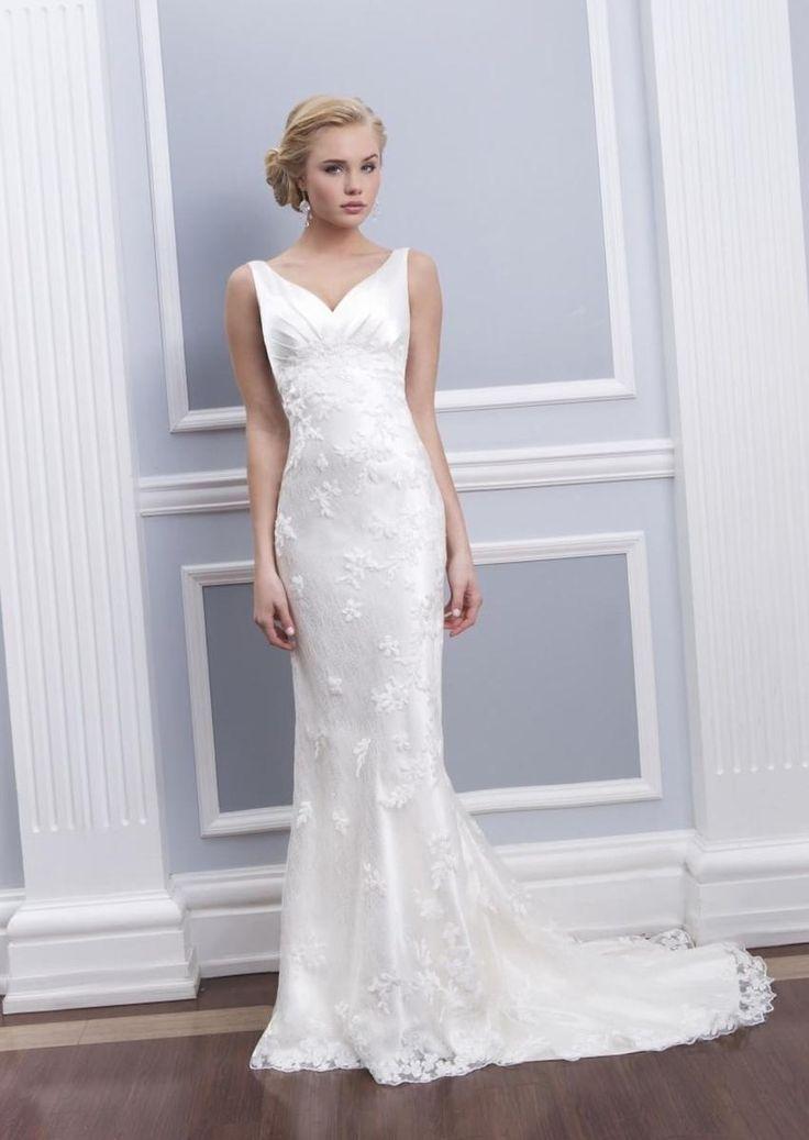 Облегающие свадебные платья - http://1svadebnoeplate.ru/oblegajushhie-svadebnye-platja-2644/ #свадьба #платье #свадебноеплатье #торжество #невеста