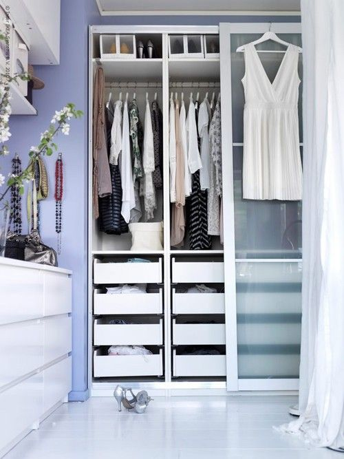 master closet ... Google Afbeeldingen resultaat voor http://www.ikeafamily.be/nl/sites/default/files/imagecache/article_image_full_zoom/article_image/ikea_pax_dressingroom_inspiration_2.jpg