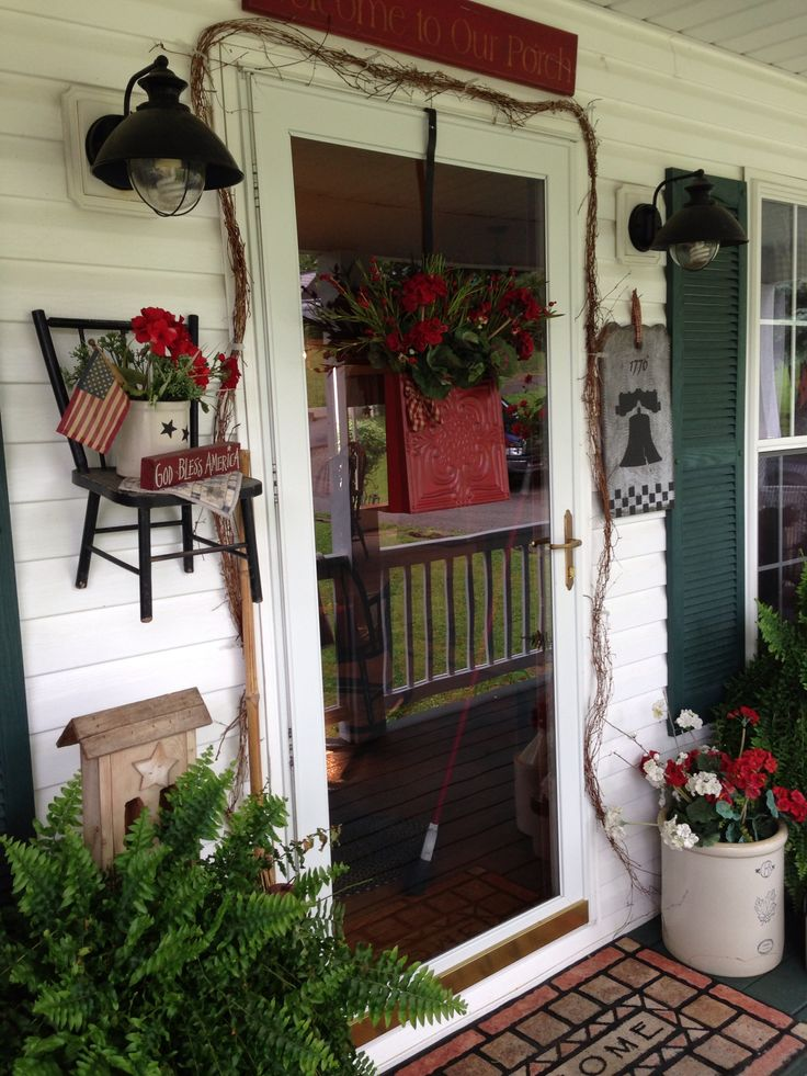 Primitive porch decor ravishingly red pinterest for How to decorate a small front porch