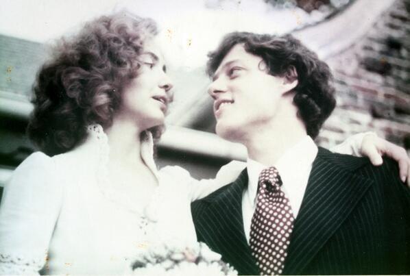 1975: Bill y Hillary Clinton recién casados.