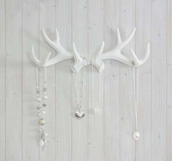 bois-cerf-blanc-porte-bijoux