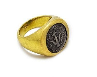 #signring #18k #goldring #trends #forher #coinring  Pinky signet ring,18k gold pinky ring, Ancient silver coin, Ancient roman gold coin ring, Coin seal ring,18k gold coin ring,Coin signet ring