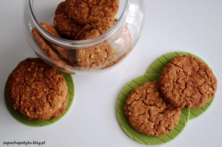 Crunchy and chewy oatmeal cookies #zapachapetytu #oatmeal #cookies