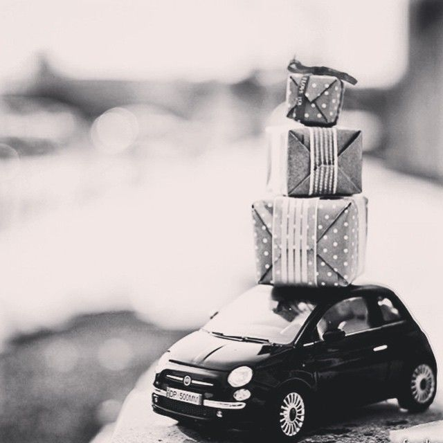 Are you ready for #Christmas? Let the #Fiat500 help you out. ;)
