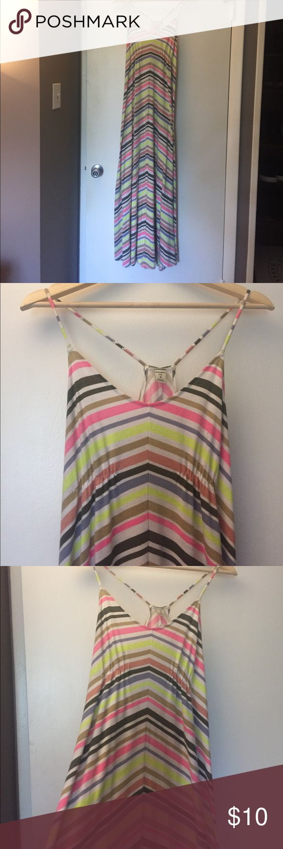 Old Navy multi-color chevron maxi dress, Sz small Great summer maxi dress, white base with multi-color chevron striped. Spaghetti straps and racerback. Some pilling from wear but overall good condition. Old Navy Dresses Maxi